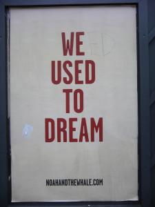Objectifs. Affiche We used to dream. Entre-Autres propose de penser et agir ensemble dans l'égalité.